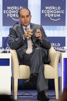 Mahmud Dschibril bei einer Veranstaltung des Weltwirtschaftsforums (2011)