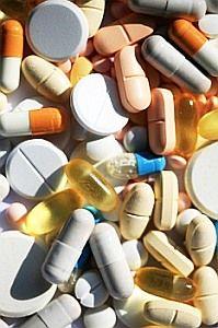 Was Erwachsenen zur Heilung hilft, kann für Kinder hochgefährlich sein. Bild: pixelio.de/Sturm