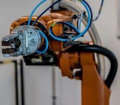 """Roboterarm: durch Bilder Berührung """"vorstellen""""."""