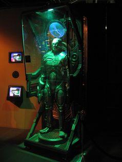 Borg-Drohne in einem Alkoven (Aufladestation) (Star Trek)
