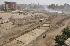 Grabungsgelände von Heliopolis - zwischen Müllbergen und Wohnhäusern in der Millionenmetropole Kairo Quelle: Foto: Universität Leipzig, Dr. Dietrich Raue (idw)