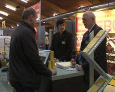 Miarbeiter der Würz Energy GmbH im Gespräch mit einem interessierten Besucher. Bild: ExtremNews Kai Oestreich
