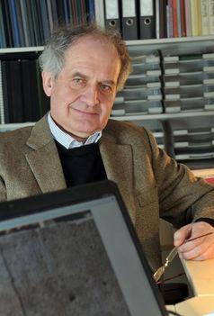 Projektleiter Prof. Dr. Norbert Nebes, Inhaber des Lehrstuhls für Semitische Philologie und Islamwissenschaft der Universität Jena. Quelle: Foto: Jan-Peter Kasper/FSU (idw)