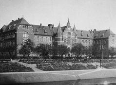 Königlich Preußisches Institut für Infektionskrankheiten (um 1900), heute als Robert-Koch-Institut (RKI) bekannt.