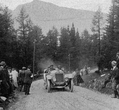 """Otto Hieronimus absolvierte die 2.364 Kilometer lange Alpenfahrt 1912 ohne Strafpunkte.  Bild: """"obs/Skoda Auto Deutschland GmbH"""""""