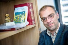 Prof. Dr. Markus Koller erforscht die Geschichte des Osmanischen Reiches und der Türkei. Quelle: © RUBIN, Damian Gorczany (idw)