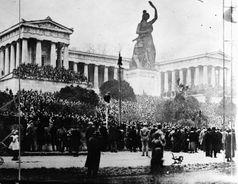 Kundgebung auf der Münchner Theresienwiese am 7. November 1918, die den Ausgangspunkt der Novemberrevolution in Bayern markiert