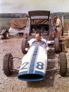 Fahrer Jaroslav Bobek gewann mit dem ŚKODA F3 im Jahr 1966 die tschechoslowakische Meisterschaft.