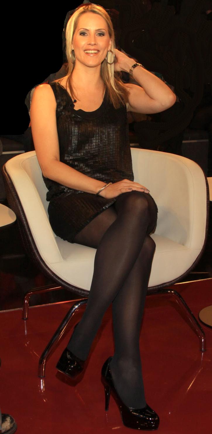 Süße und süße russische Freundin mit saftigem Arsch Lana Sharapova wird von hinten gefickt