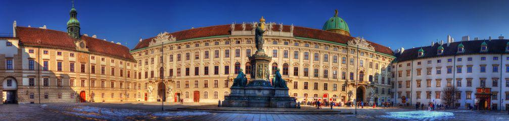 Hofburg: Der Reichskanzleitrakt. Hier residiert Kurz PR-Clique wie einst Kaiserin Sisi
