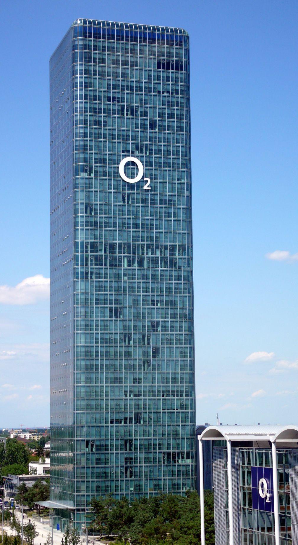 Das Firmengebäude von Telefónica Germany (O2) am Georg-Brauchle-Ring in München