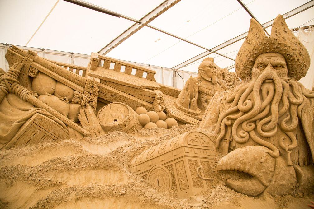 """Maritime Abenteuer - Die Sandskulpturen-Ausstellung in Lübeck-Travemünde lädt zum Staunen ein / Auch Dawie Jones wird bei der Sandskulpturen-Ausstellung in Lübeck-Travemünde vom 11.5. - 20.10.2019 zu sehen sein. Bild: """"obs/Musea GmbH/Sebastian John"""""""