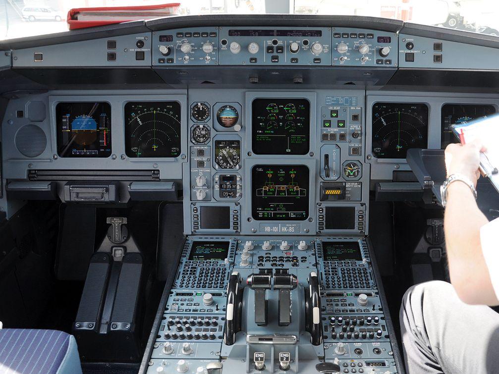 Cockpit eines Airbus A330