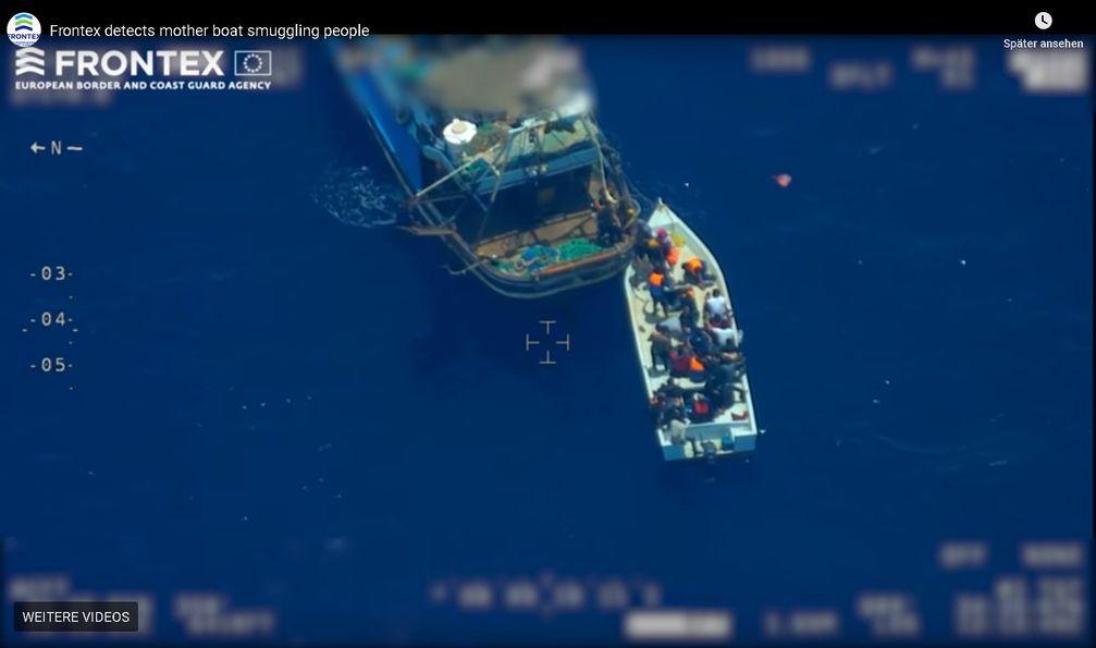 """Bild: Screenshot Youtube Video: """"Frontex detecs mother boat smuggling people"""" / Eigenes Werk"""