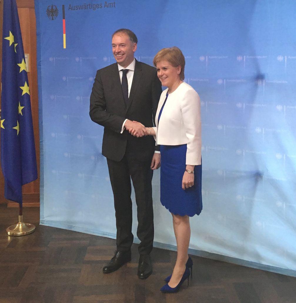 Niels Annen und Nicola Sturgeon (2018)
