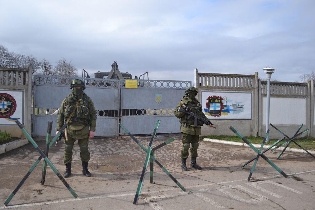 Militärstützpunkt in Perewalne während der Krimkrise