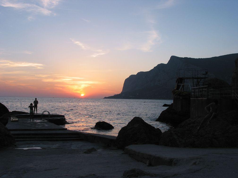 Die Krim: Sonnenuntergang an der Südküste