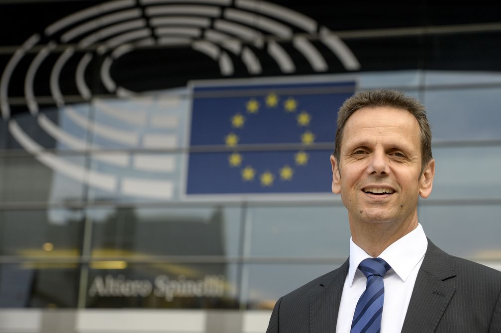 """Bernd Kölmel im Europaparlament / Bild: """"obs/LKR - Die Eurokritiker"""""""