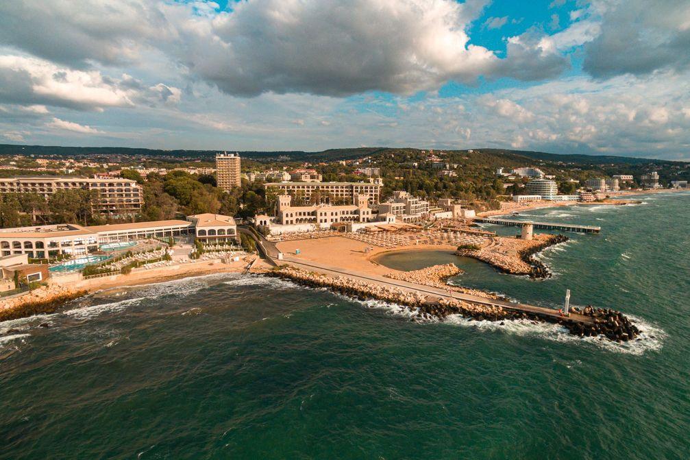 """Schwarzmeerküste nördlich von Varna mit Thermalbad,  moderne Hotels und viel Grün /  Bild: """"obs/Agentur für Gesundheitstourismus/BUBSPA"""""""