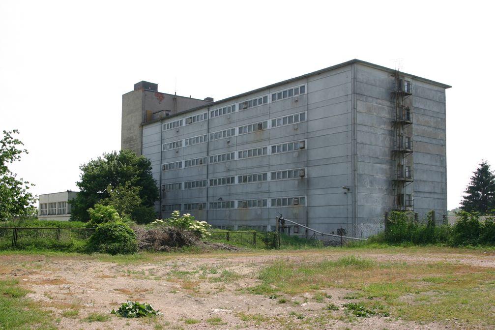 """Das """"Schweinehochhaus"""" bei Maasdorf"""