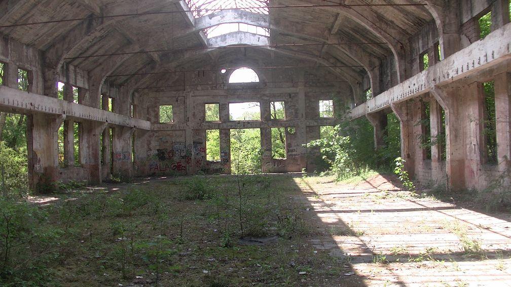 "Kompressorhalle Grube Frankenholz, kasaan media, 2020.  Bild: ""obs/kanahana press UG (haftungsbeschränkt) Deutschland/Marinella van ten Haarlen"""