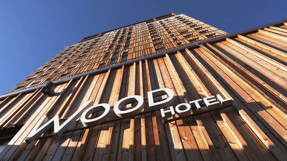 Hotels aus dem Rohstoff Holz werden immer beliebter. Bild: ZDF Fotograf: Philip Koepsell