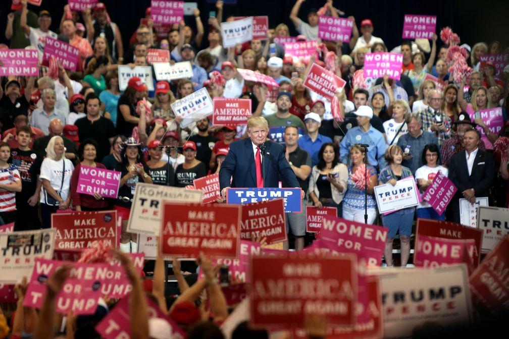 Trump campaigns in Phoenix, Arizona, October 29, 2016