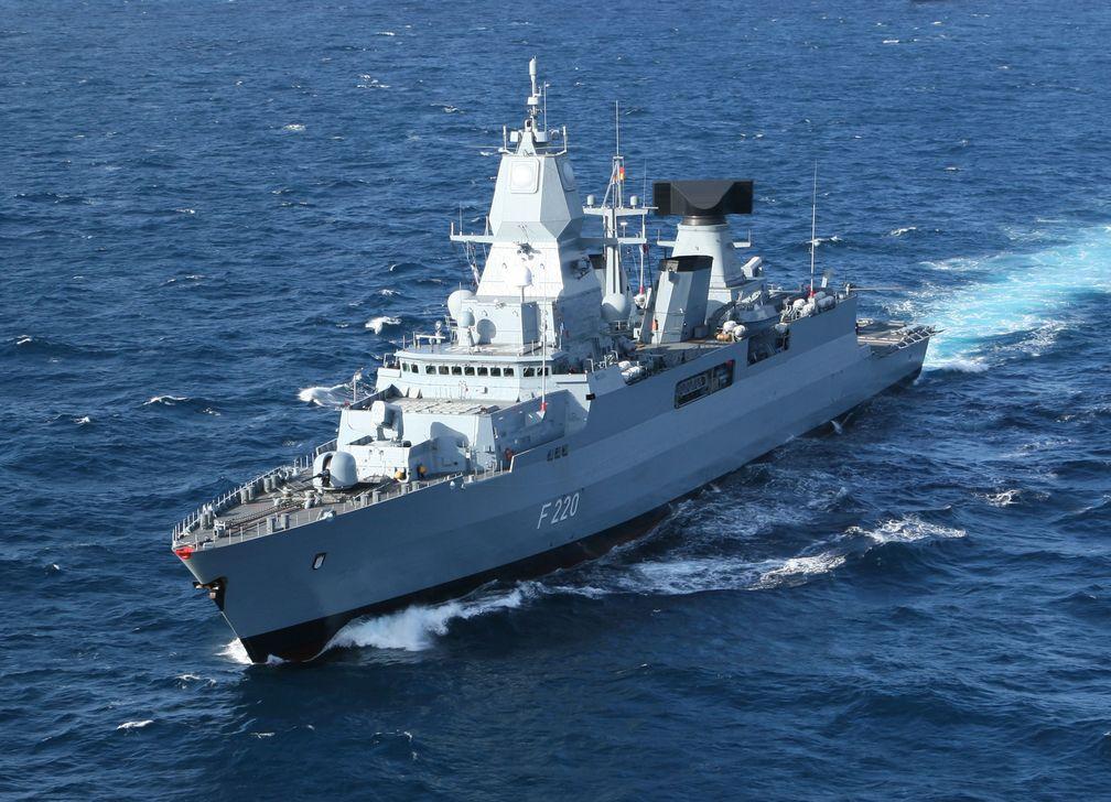 Die Fregatte Hamburg ist das Flaggschiff des Einsatz- Ausbildungsverbandes 2008.