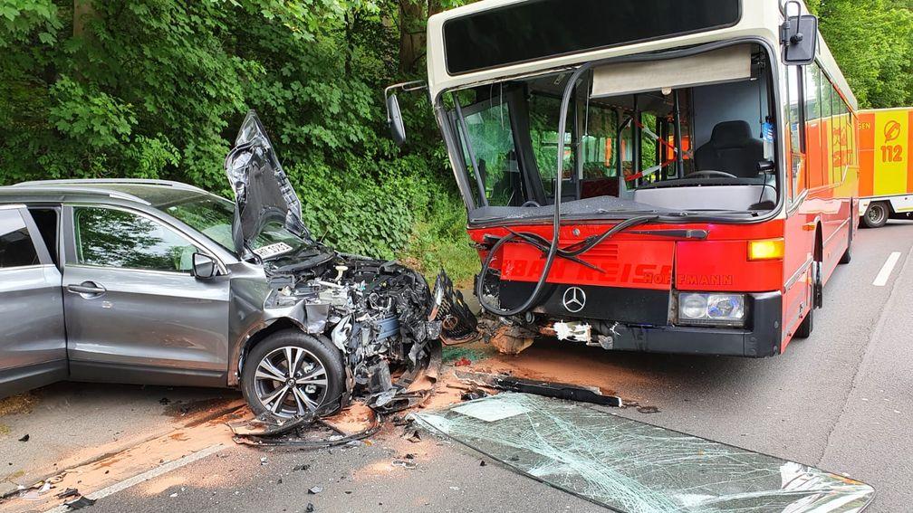 Verkehrsunfall Wittener Straße Bild: Feuerwehr