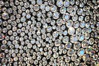 "Nahaufnahme einer Diamanten-Halskette Bild: ""obs/ZDFinfo/Doug Hamilton"""