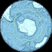 Die Antarktis. Die grüne Linie stellt die Antarktische Konvergenz dar.