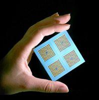 Klein, handlich und kostengünstig: die integrierte keramische Mikrobrennstoffzelle. © Fraunhofer IKTS