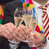 Geschäftsabschluß, Feiern, Privatier, Geschäftsmann (Symbolbild)