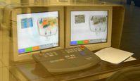 Röntgen-Durchstrahlungsbild von Reisegepäck