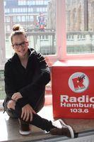 Stefanie Heinzmann zu Besuch bei Radio Hamburg 2012.