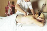 Behandlung durch einen Physiotherapeuten