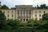 """Lektionsgebäude der Jugendhochschule """"Wilhelm Pieck"""", Bogensee"""