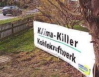 Widerstand beginnt im Vorgarten: Banner gegen den Bau der Klimakiller im heimischen Garten. Bild: BÜNDNIS 90/DIE GRÜNEN im Kreis Steinburg