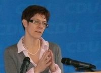 Annegret Kramp-Karrenbauer bei einer Programmdebatte-Veranstaltung der CDU Saar am 4. Dezember 2010