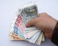Grundeinkommen, Bargeld, Bezahlung, Lohn (Symbolbild)