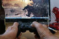 Shooter: Notorische Spieler kommen in Behandlung. Bild: Bernd Kasper/pixelio.de