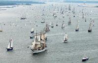 Die Windjammerparade zählt zu den maritimen Höhepunkten der Kieler Woche. Bild: obs/Landeshauptstadt Kiel/Thomas Eisenkrätzer