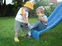 Kinder: Solidarisches Helfen liegt in unserer Natur. Bild: pixelio.de, erysipel