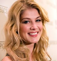 Rosamund Pike im Januar 2011 in New York bei der Premiere von Barney's Version