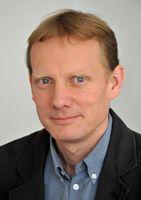 Slawist Prof. Dr. Dr. h. c. Thede Kahl von der Uni Jena ist Herausgeber einer Publikation zum musikalischen Erbe Rumäniens. Quelle: Foto: Anne Günther/FSU (idw)