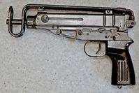 Eine der zwei sichergestellten Maschinenpistolen Bild: Polizei