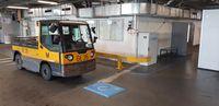 """INTIS induktives Ladesystem am Flughafen München. Bild: """"obs/INTIS GmbH/Tobias Prechtl"""""""