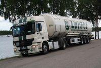 Drei-Kammer Spezial-Jumbo-Tankwagen mit insgesamt 58m³ Fassungsvermögen