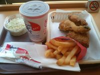Fast-Food-Menü bei Kentucky Fried Chicken (KFC)