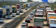 Ein typischer Stau wie er unzählige male auf deutschen Autobahnen vorkommt (Symbolbild)